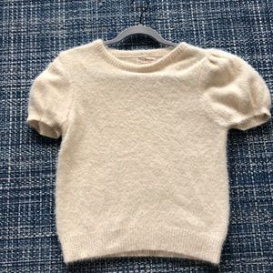 Short sleeve soft yarn sweater